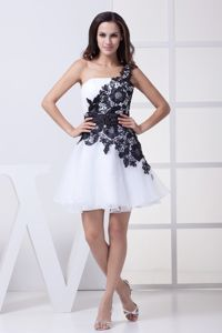 Black Lace Decorated One Shoulder Mini Graduation Dress in White