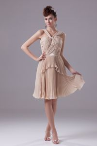 Straps Pleated Short Juniors Graduation Dresses in Champagne
